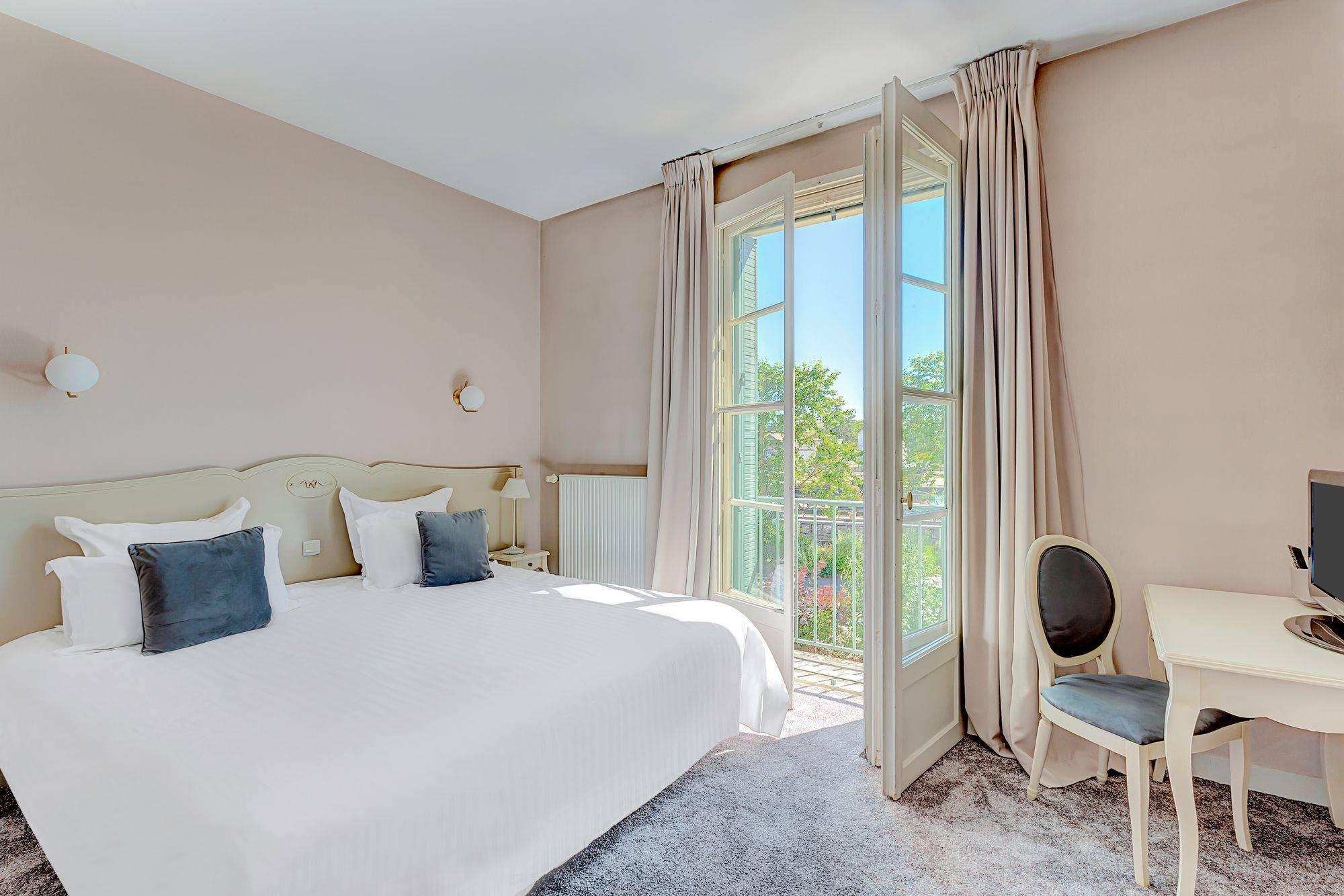 Grande chambre d'hôtel à Auxerre